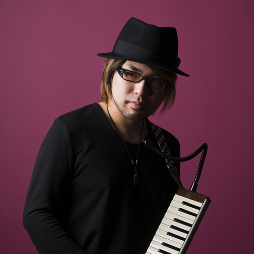 Iga Takurou, black hat and clothes, holds a melodica, purple background